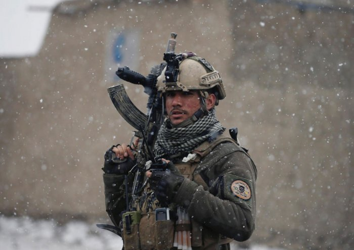 Kabul on edge as IS gunmen launch fresh attack on military compound