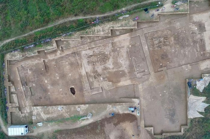 2,200-yr-old govt office ruins unearthed in China