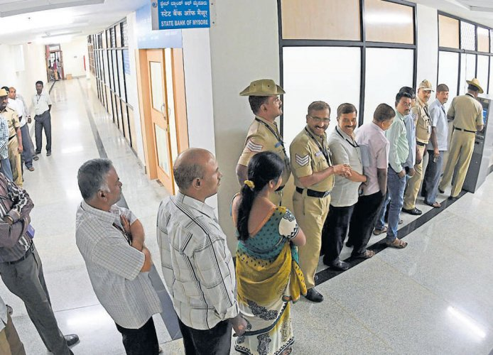Bonanza likely for state govt employees