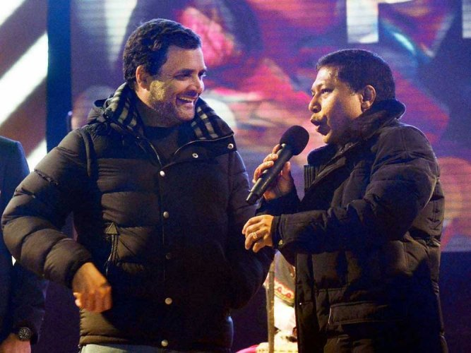 BJP, Congress tear into each other over Rahul's jacket