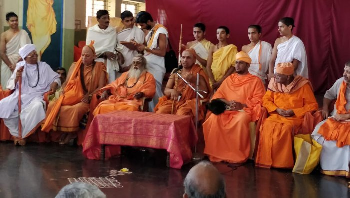 Uttara Kannada seers to take out silent march for communal harmony