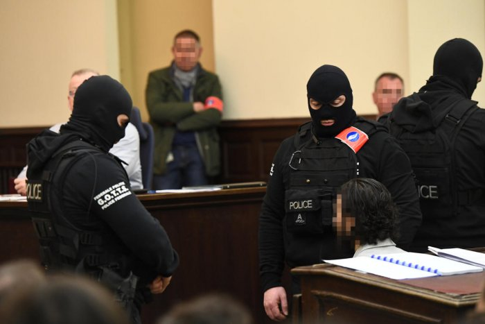 Paris attacks suspect refuses to answer questions at Belgian trial
