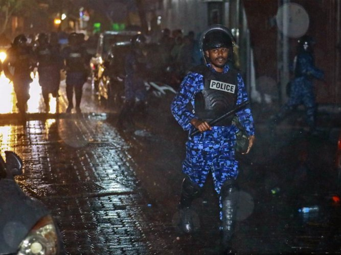 Nasheed seeks Indian military intervention to end the Maldives' crisis