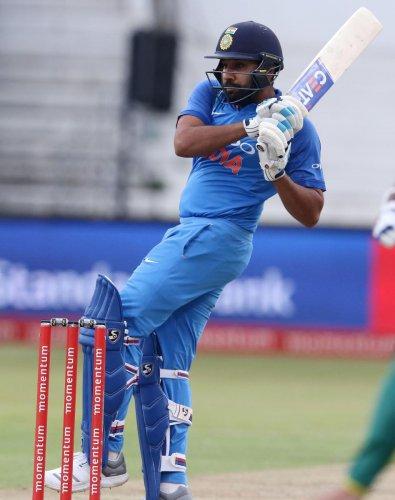 India eye historic triumph