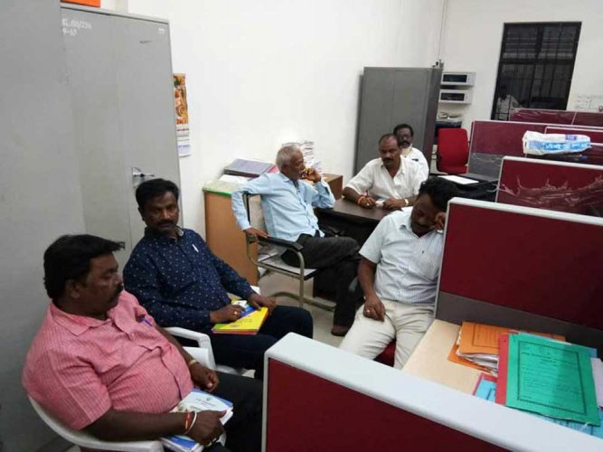 ZP CEO locks up 13 erring PDOs as punishment in Yadgiri