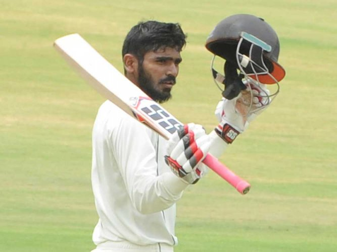 Andhra, Mumbai qualify for knockouts