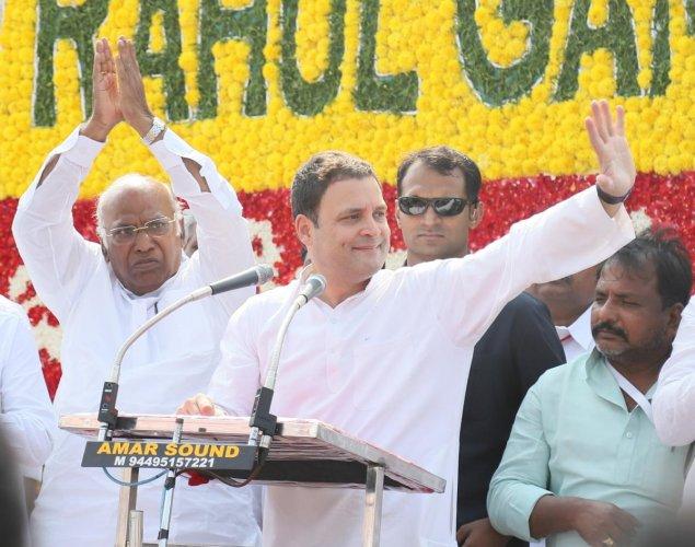 Rahul trains guns on Shah's son to attack Modi on graft