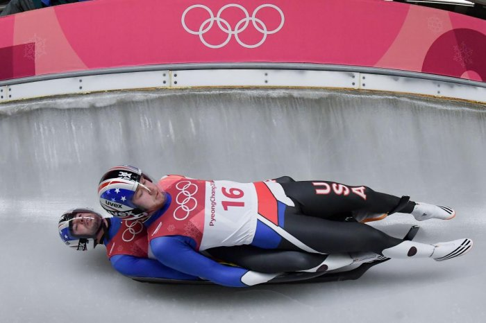 Doubles luge has everyone in splits!