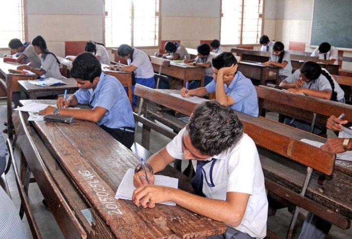 Bihar bars examinees from wearing shoes, socks at matric exam