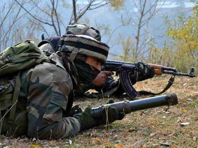Two soldiers injured, intruder killed, in BAT attack along LoC