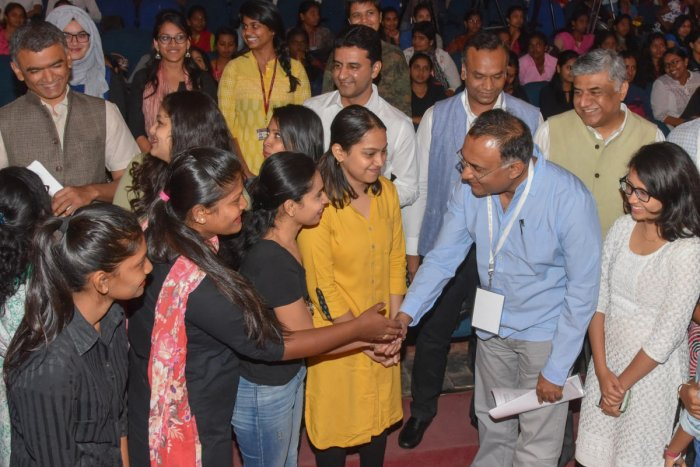 Dynastic politics to Ahinda appeasement, students grill leaders at Cong Town Hall