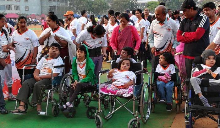Thousands race to raise awareness about rare diseases