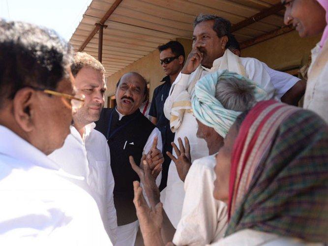 Janashirvada Yatra: Rahul goes to farmers' fields, pays heed to woes