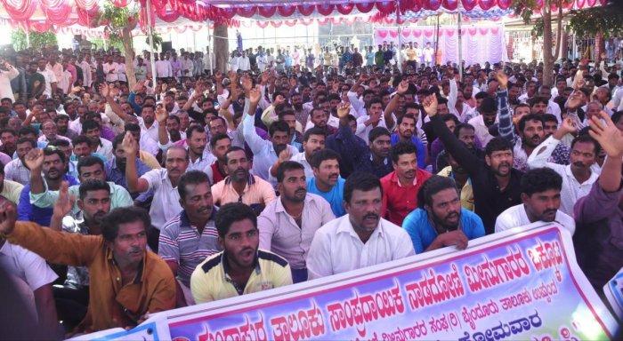 Fishermen demand kerosene for traditional boats