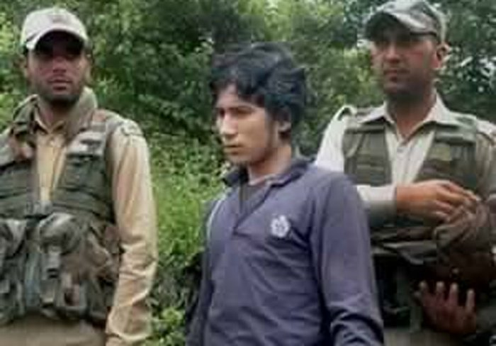 Fresh video shows LeT's Naveed Jutt with Hizbul militants in J&K