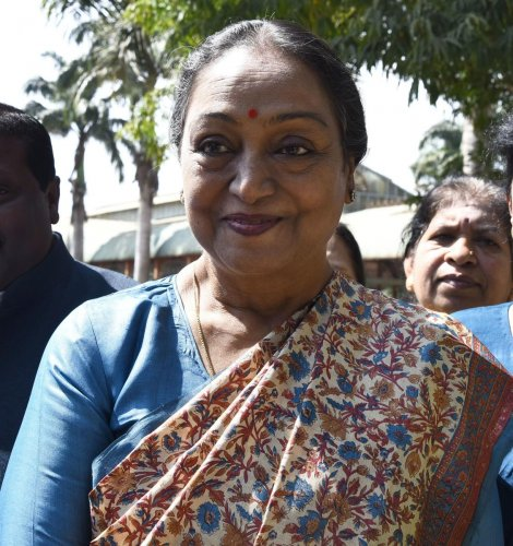 Ex-Speakers Meira, Patil want to enter RS poll fray from state