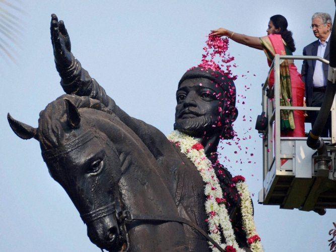 Politics over statue of Shivaji's guru revives again