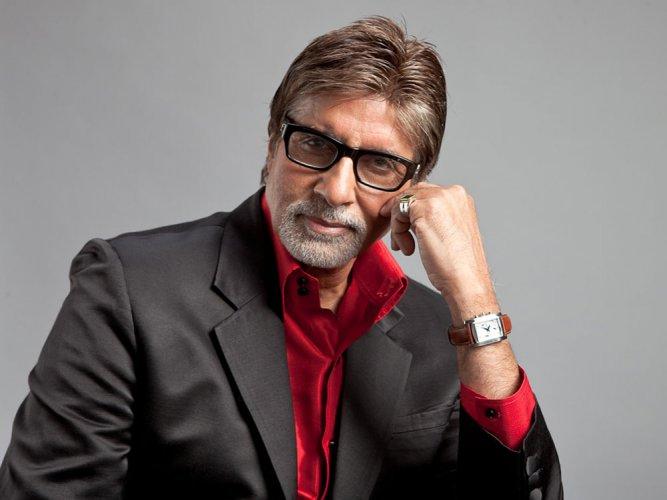 Joy to see ladies on 'Thugs of Hindostan' sets: Amitabh Bachchan