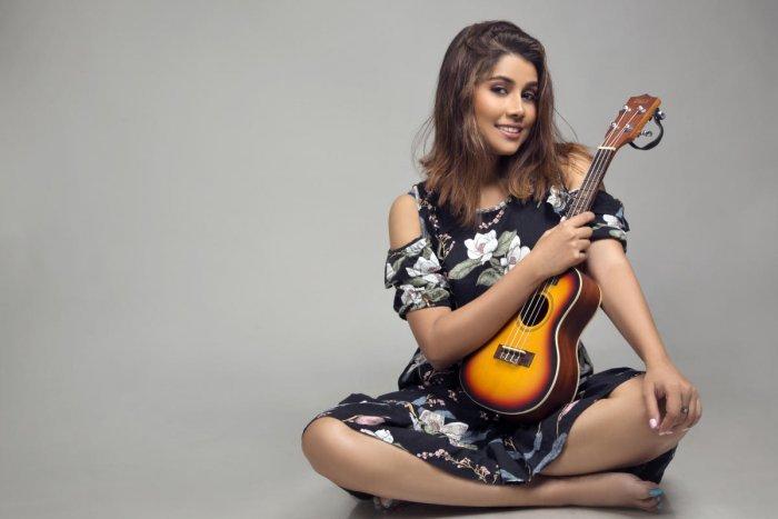 Paroma dedicates her song 'Mann Ke' to students