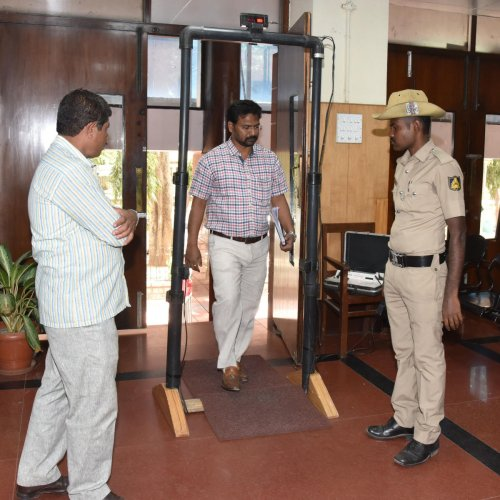 Attack forces cops to replace defunct metal detector at Lokayukta office