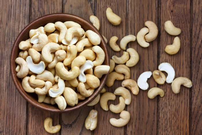 Cashew is not an enemy after all