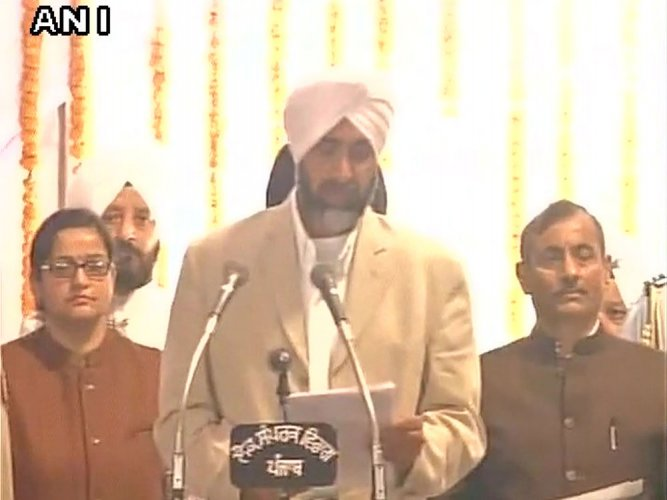 Punjab minister ridicules state babus for poor standard of Queens's English