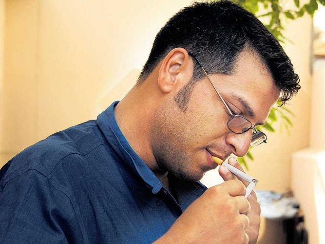 Smoking may cause hearing loss: study