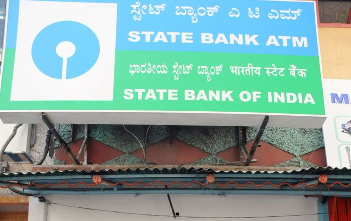SBI asks customers to get new chequebooks before March 31