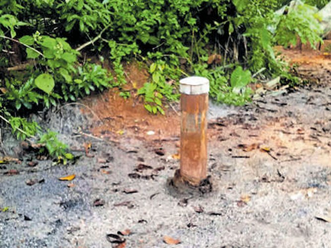 Scam: With just 1 machine & truck, they dug 20 borewells in a day