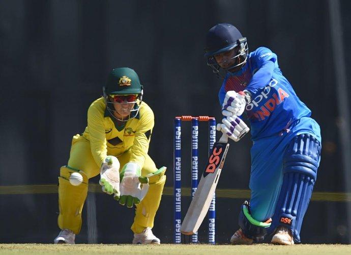 Indian women score 152/5 vs Australia in T20 opener