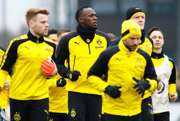 Bolt catches the eye at Dortmund training