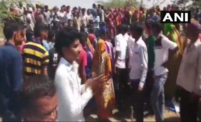 Farmers resist Guj company's bid to take possession of land