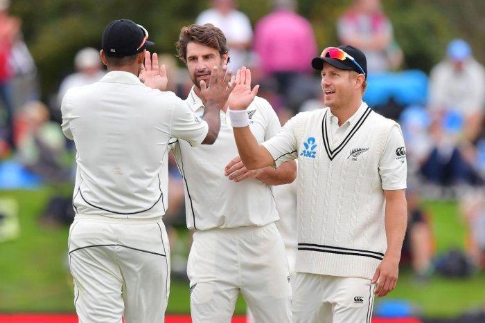 England sense chance to level series