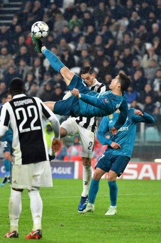 Ronaldo magic lights up Real's way