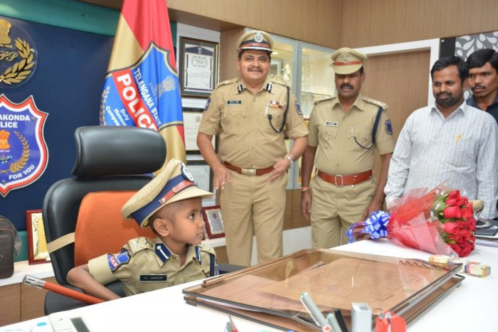 6-yr-old terminally-ill boy becomes top cop for a day