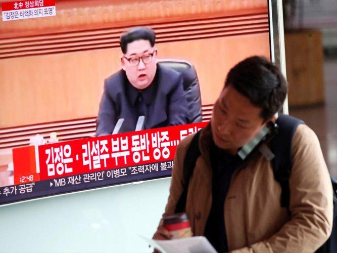 Two Koreas meet to plan landmark summit