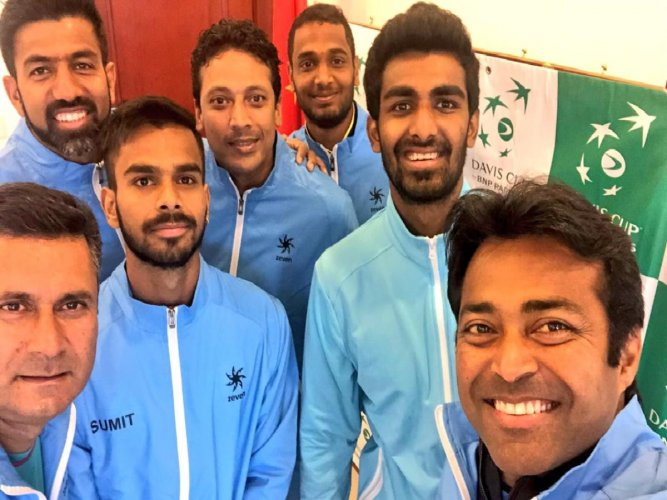 World record beckons Paes