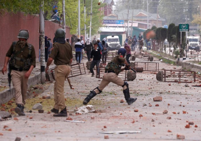 Shopian killings trigger student protests across Kashmir