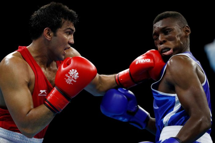 Boxers continue unbeaten run, three in quarters