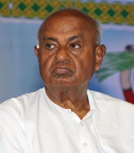 Chief minister has a violent streak in him, says Gowda