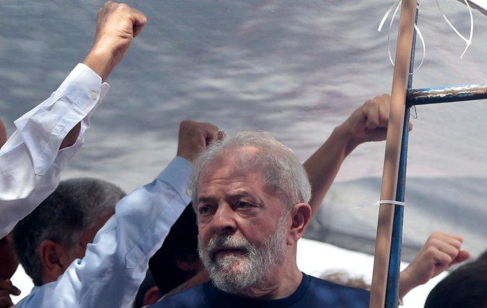 Brazil's Lula flown to start prison sentence