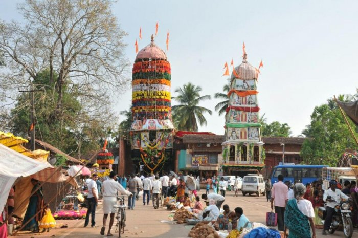 A chariot festival that brings people together