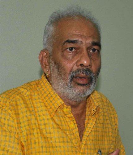 Manju approaches EC with plaint against Hassan DC