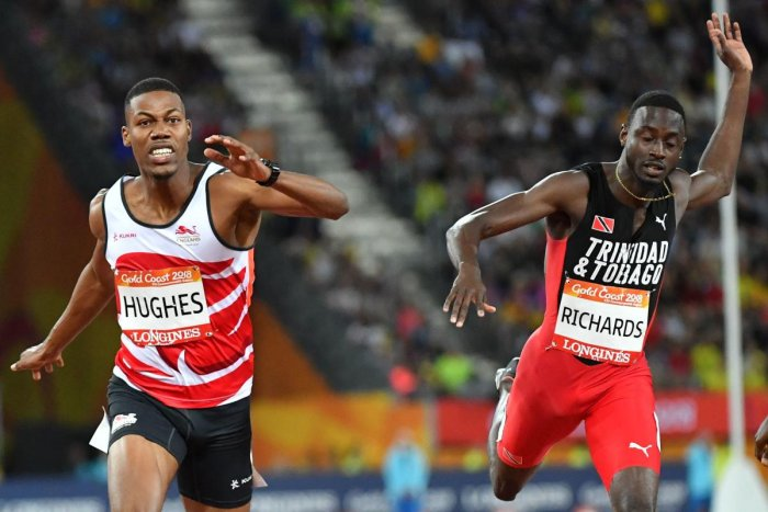Richards takes 200M gold in dramatic fashion