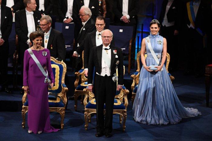 Sex scandal casts shadow over Nobel Prize for litt