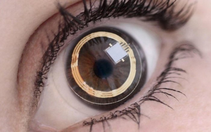 World's first contact lenses that darken in bright light approved in US