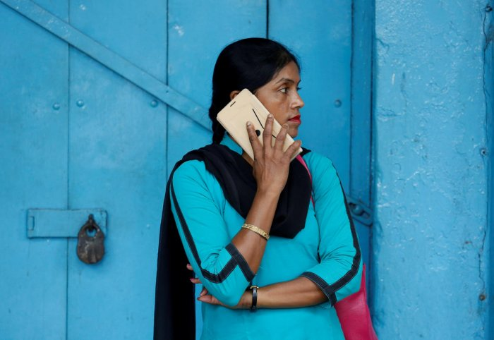 The khap believes that banning jeans and phones for girls will stop incidents of eloping.