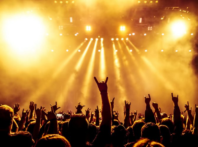 Numerous studies in the past have propounded the benefits of listening to genres like metal. There have also been surveys detailing that an exceptionally high number of bright students listen to metal.