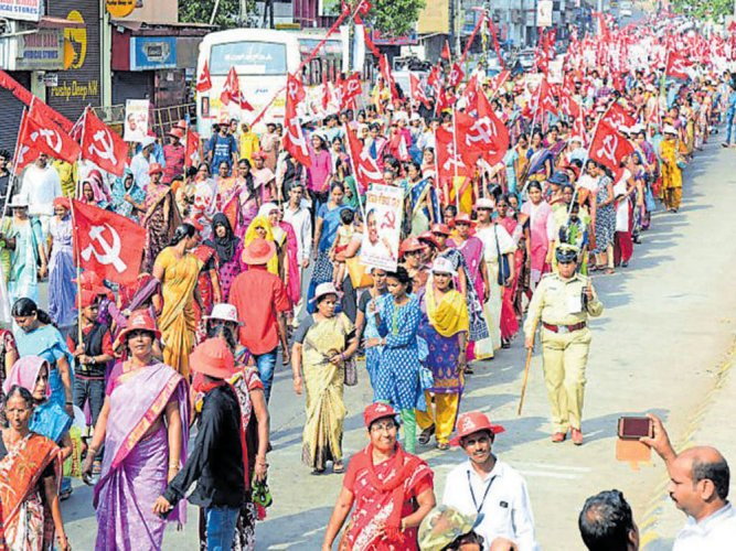 At a time when youth and minority communities are up in arms against the BJP, the CPM finds it discouraging that the Muslim community and the younger generation do not find it an attractive platform to join. DH file photo for representation