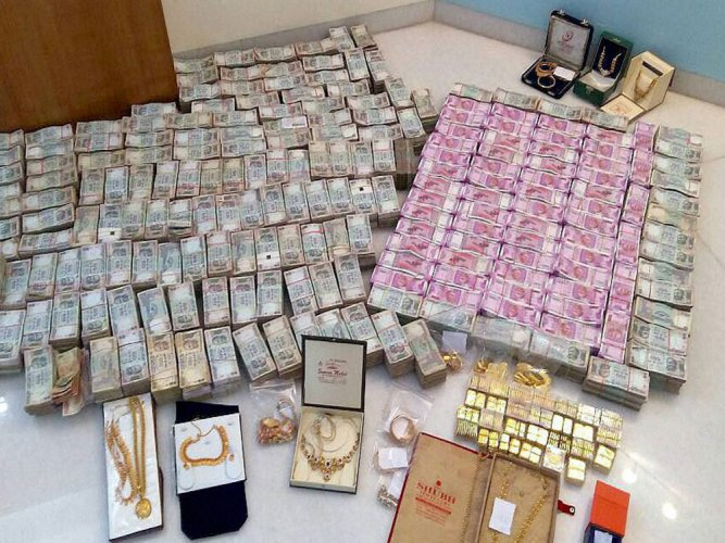 Majority of the currency notes seized are in denomination of Rs 2000 and Rs 500. PTI file photo for representation.